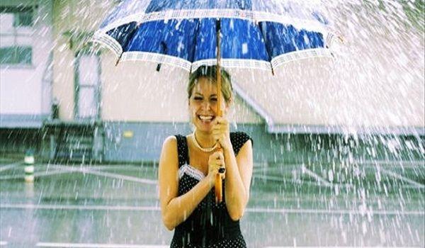 Χαλάει ο καιρός: Τοπικές βροχές και μπόρες σήμερα Κυριακή