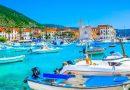 Βις: Το νησί στην Κροατίας που αντικατέστησε την Σκόπελο στο «Mamma Mia» [εικόνες]