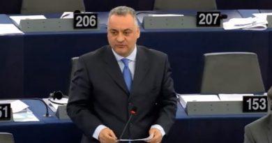 «Απαράδεκτη η απόφαση της αλβανικής κυβέρνησης που υφαρπάζει τις περιουσίες της ελληνικής εθνικής μειονότητας.»
