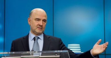 Μοσκοβισί: Η Ελλάδα επιστρέφει στην κανονικότητα