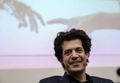 Καθηγητής ΜΙΤ Δασκαλάκης: Εκατοντάδες χιλιάδες οι νεκροί του κορονοϊού στην Ελλάδα χωρίς μέτρα