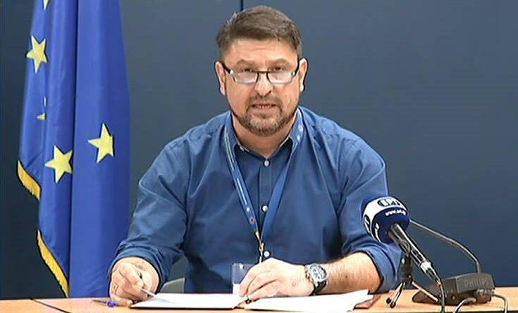 Ο Τάκης Ζαχαράτος δίνει τα ρέστα του υποδυόμενος τον Νίκο Χαρδαλιά