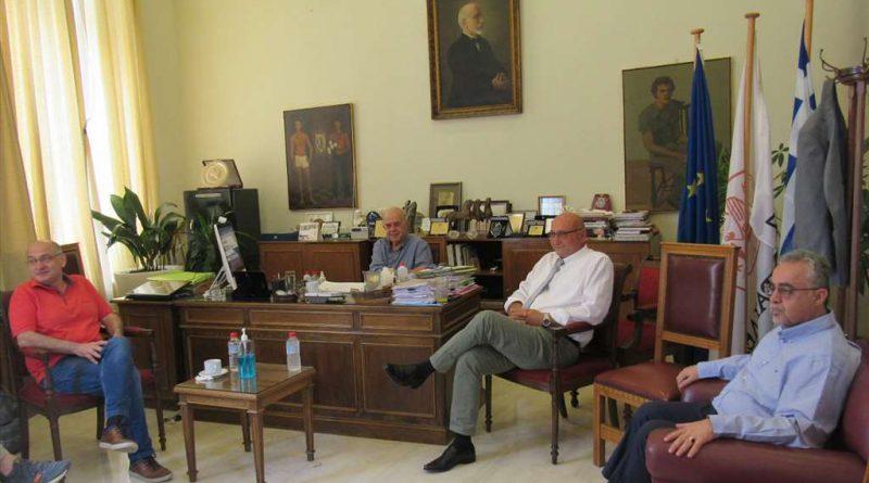 Με τον υποψήφιο Πρύτανη του Πανεπιστημίου Κρήτης και τους υποψήφιους Αντιπρυτάνεις συναντήθηκε ο Δήμαρχος Ηρακλείου