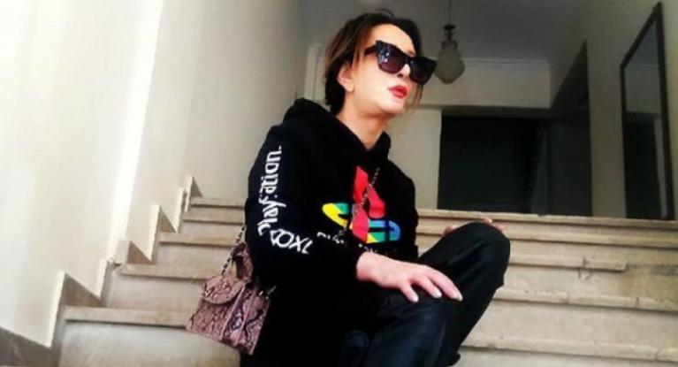 Κρήτη: Της άνοιξαν το κεφάλι επειδή είναι διεμφυλική. Στο σκαμνί δύο Χανιώτες