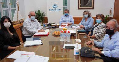 Τα έργα και η στήριξη της Περιφέρειας Κρήτης στην Δημόσια Υγεία σε συνάντηση στην Περιφέρεια