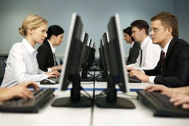 Ευάλωτοι οι εργαζόμενοι όσο διευρύνονται οι ατομικές συμβάσεις εργασίας. Ψηφιακή κάρτα